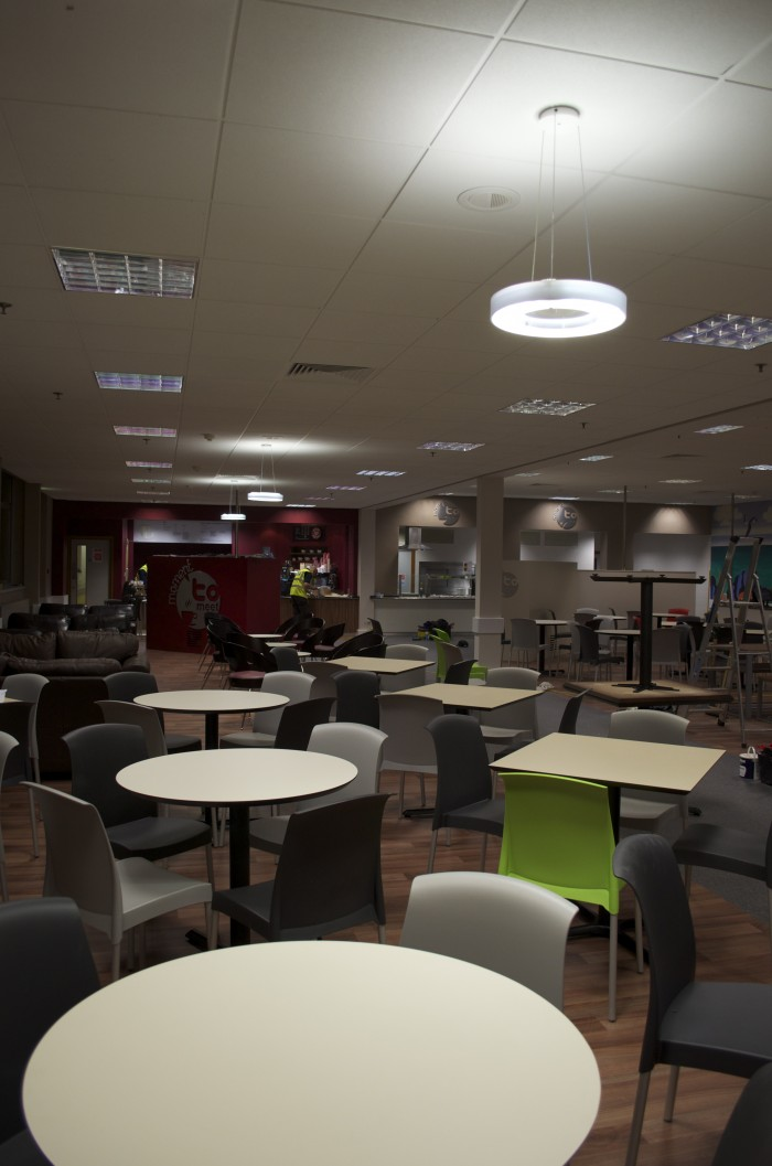 Cameron, Restaurant - Flooring and Ceiling